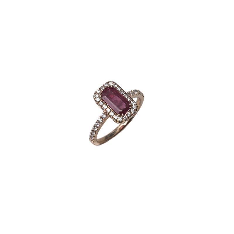 Roze gouden ring met robijn en diamanten