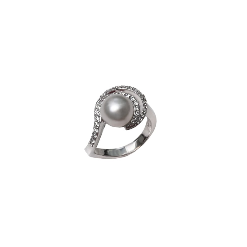 Witgouden ring met parel en diamanten
